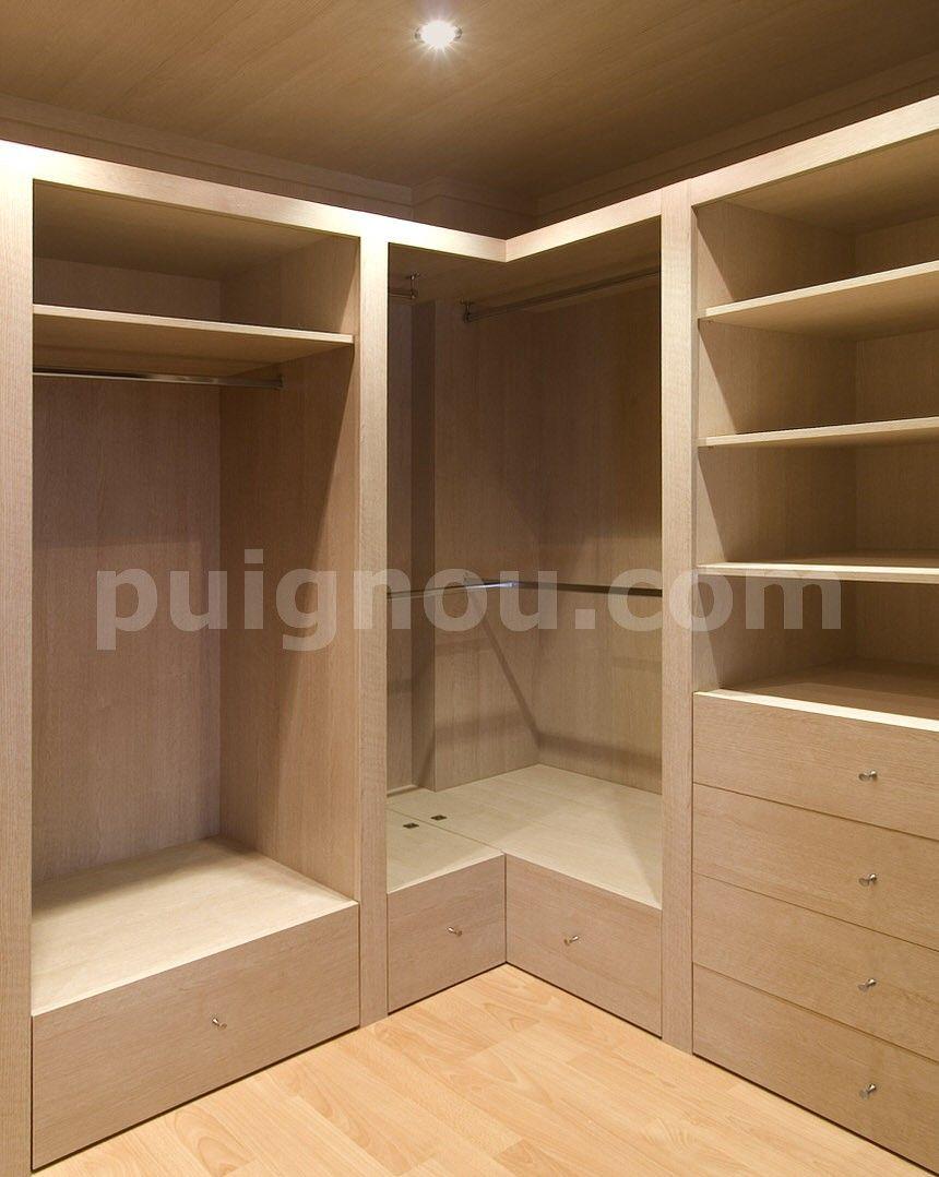 Puignou puigpelatvestidors de madera a medida puignou for Closet en escaleras