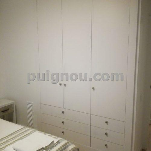 FUSTERIA PUIGNOU-Armari lacat blanc a mida per habitació de matrimoni